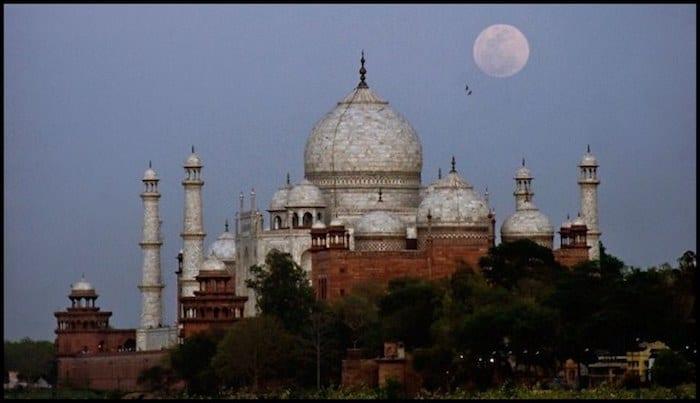 Taj Mahal Full Moon